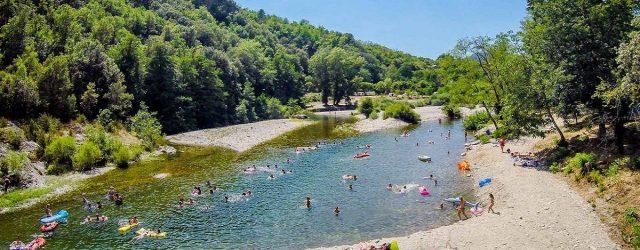 Quel camping en Ardèche pour mieux explorer la région région Auvergne-Rhône-Alpes ?